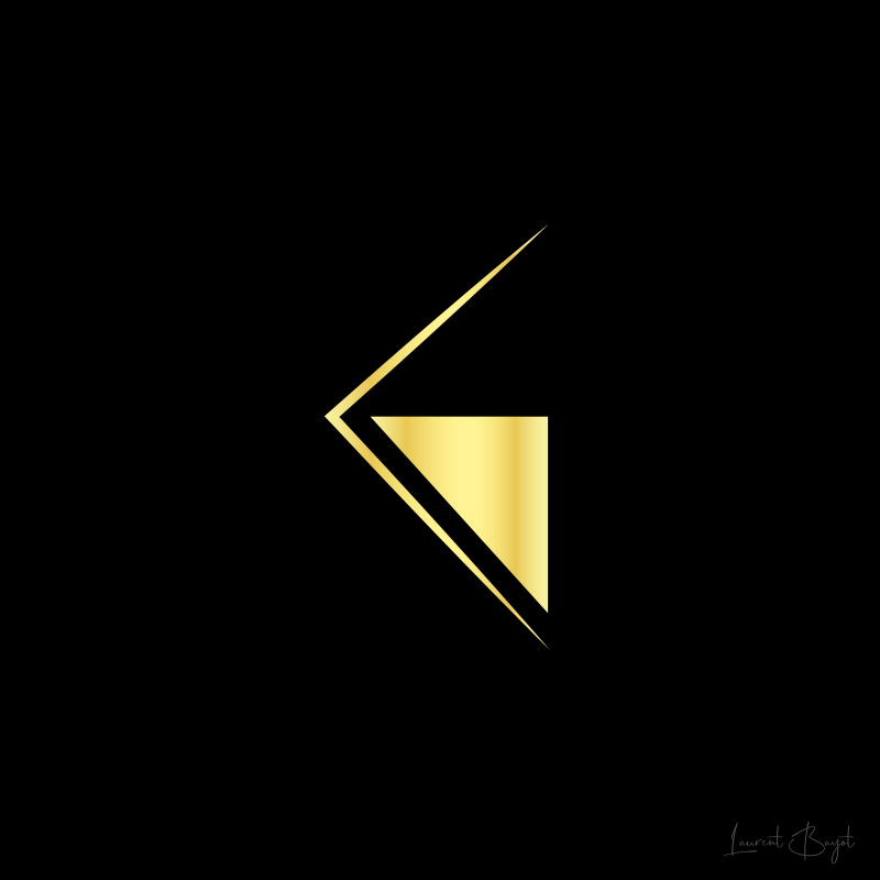 logo graphiste luxe or